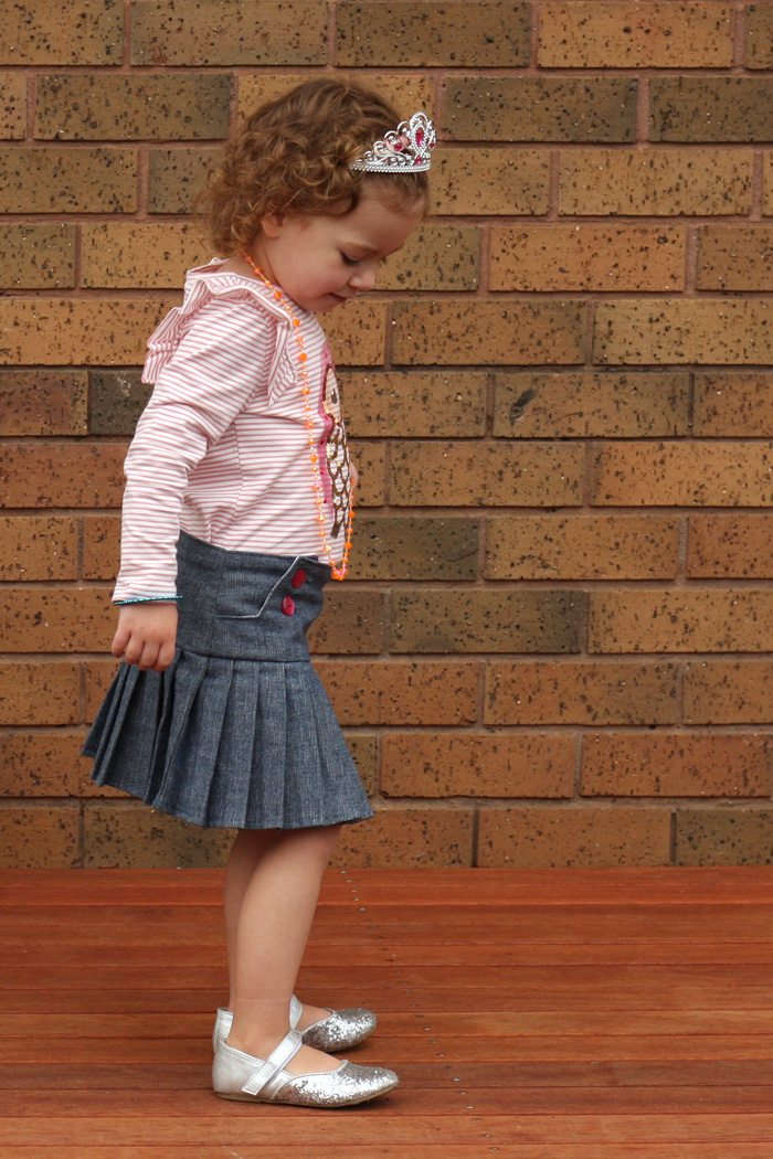 Schoolgirl style - Schoolday Skirt by Blank Slate Patterns sewn by Things for Boys